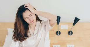 Sakit kepala tegang (tension headache) sakit kepala tegang sering dikeluhkan di kepala bagian depan atau bisa juga pada bagian samping kepala. 5 Penyebab Sakit Kepala Bagian Depan Beserta Ciri Cirinya Honestdocs