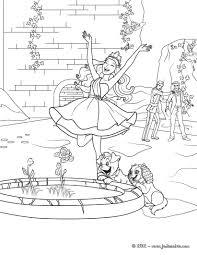 Barbie Popstar Qui Joue Dans La Fontaine Avec Ses Chiens Un