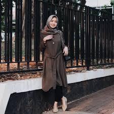 Bisnis online menjadi salah satu cara menghasilkan uang yang sangat menjanjikan di tahun 2018 ini. 4 Hijab Influencer Ini Ternyata Punya Bisnis Online Shop Loh Facetofeet Com