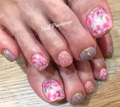 花柄フットネイル 自爪を傷めないネイルサロン 梅田茶屋町中崎町