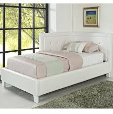 Image of: Tufted Full Size Daybed