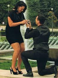 OBLIGER SON COMPAGNON A DEMANDER LE MARIAGE