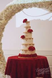 This Red And Gold Wedding Cake Is Stunning Bodas In 2019 Wedding