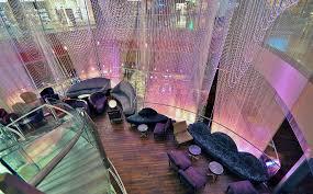 the chandelier bar at the cosmopolitan hotel las vegas