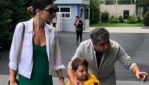 Sözcü yazarı i̇smail saymaz, bugünkü yazısında necati şaşmaz'ın babası abdülkadir şaşmaz'ın eski eşi kaşıkçı'nın iddiasına göre necati şaşmaz, kendisini mehdi görüyor diyen saymaz, bugan. Necati Sasmaz In 10 Milyon Tl Tazminat Istedigi Esi Kendini Mehdi Ilan Etti