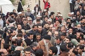 Image result for روایتی خواندنی از بازدید رهبر انقلاب از مناطق زلزلهزده