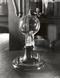 Thomas Edison Light Bulb Invention Impact Early Light Bulb Thomas Edison Light Bulb Light Bulb Bulb