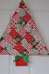 The Best Free Quilt Patterns for Christmas: 10 Quilt Blocks ... & More Quilted Christmas Decorations Adamdwight.com