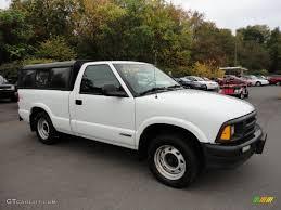 1997 Olympic White Chevrolet S10 Regular Cab #55138182 Photo #3 ...