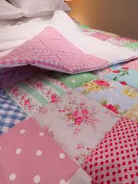 490 best â?¥ Quilting images on Pinterest | Beautiful, Bedroom and ... & Make A Simple Patchwork Quilt - Rosie Buttons: click to see a picture of the Adamdwight.com