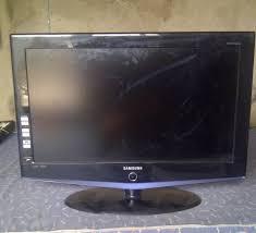 samsung 32 tv. samsung lcd 32 inch flatsreen tv for sale - technology market nairaland