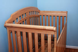 simmons easy side crib. cash only please. thank you. simmons easy side crib fovero