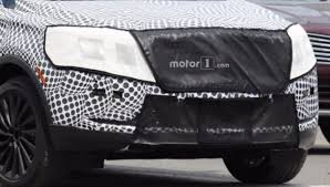 2018 lincoln mkc spy shots. plain lincoln the camouflaged grille of mkc prototype on 2018 lincoln mkc spy shots
