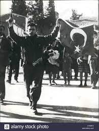 7. Juli 1974 - Eoka killer Nicos Sampson Ansprüche, ich bin der neue  Präsident: folgende the Greek-geführten Putsch in Zypern gestern Nicos  Sampson, als Besitzer von M.P. Zeitung und Unterstützer der Vereinigung