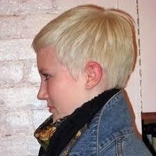 účesy Z Krátkých Jemných Vlasů