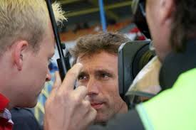 ... tussen de Corvette van Oliver Mayer en de Aston Martin van Michael Frey. - interview_kox