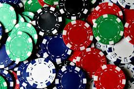 scattered poker chips photo – Free Gambling Image on Unsplash