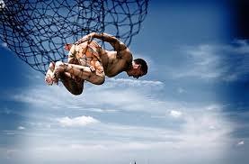 精彩摄影渔网里挣扎的人一个巧合拍摄_网钩一族;海钓矶钓;钓鱼图库;钓况汇报