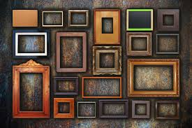 how to select frames for a gallery wall