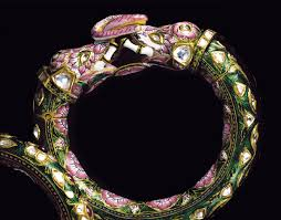 necklaces and diamond jewllery image 4