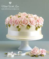 Bed Of Roses Wedding Cake Made For A Small Wedding Last Su Flickr