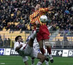 Davor Vugrinec of Lecce and Jorge Vargas of Reggina during a SERIE A...  Foto di attualità - Getty Images