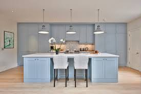 And in the form of clean and fresh kitchen wall tiles this colour has a  habit of really standing out.