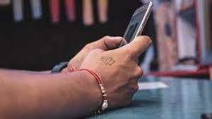 Coole kleine tattoos für männer: Kleine Tattoos Fur Manner 9 Coole Motiv Ideen Men S Health
