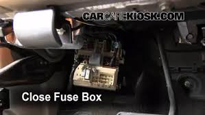 interior fuse box location hummer h hummer h interior fuse box location 2003 2009 hummer h2 2003 hummer h2 6 0l v8