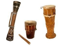 Alat musik gesek adalah alat musik yang cara memainkannya dengan cara digesek pada dawainya menggunakan busur, berikut penjelasan dan apakah anda tahu bahwa alat musik dibagi menjadi beberapa jenis dibedakan berdasarkan cara memainkannya yaitu alat musik gesek, alat musik petik. 16 Contoh Alat Musik Ritmis Gambar Jenis Fungsi