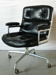 Eames executive chair Soft Pad Designed By Charles Eames For Herman Miller This Time Life Executive Chair Features Its Original Hive Modern Furniture Charles Eames Time Life Executive Chair At 1stdibs