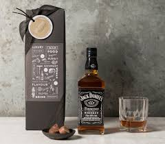 jack daniel s tennessee whiskey gift set