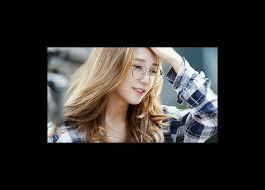 jung eunji or her se name eunji 은지 is member of south korea group a pink eunji was born in gyeongsang do busan south korea on august 18