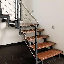 Treppen von stadler ergänzen funktionale industriebauten durch modernes und ansprechendes design. Klassische Treppen Holz Stahl Treppen De Das Fachportal Fur Den Treppenbau