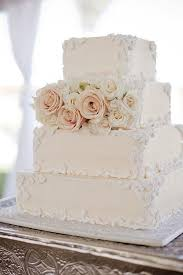 25 Classic Wedding Cakes That Stand The Test Of Time 2164024 Weddbook