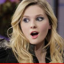 Her birthday, what she did before fame, her family life, fun trivia facts, popularity rankings, and more. Abigail Breslin Pulls A Juan Marquez And Kos A Stunt Guy