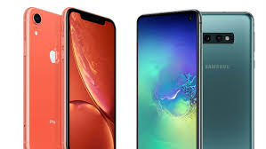 Iphone Actual Size Comparison Chart Samsung Galaxy S10e Vs Iphone Xr Which Is Best Tech Co