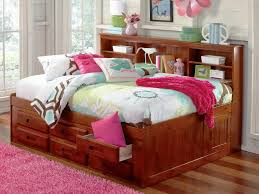 Queen Captains Bed, How to Find More Room in Your Bedroom | Laluz ...