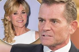Anthea millicent turner (né le 25 mai 1960) est un présentateur de télévision anglais. Anthea Turner S Cheating Ex Grant Bovey Signs Up To Dating Site And Lists His Age As Ten Years Younger Mirror Online