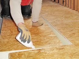 Wir erklären schritt für schritt, wie der fußbodenaufbau im detail aufgebaut wird. Fussbodendammung Einfach Nachrusten Bauen De