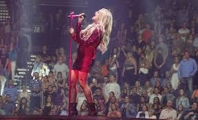 carrie underwood performs at mgm grand garden arena in las vegas 05 11 2019