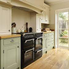 Step Inside This Traditional Soft Green Kitchen Kitchen Ideals Kitchen Remodel Soft Green Kitchen