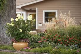 ... Garden, Pictures Of Front Yard Flower Beds Landscaping Ideas For Front  Of House Yellow Flower ...