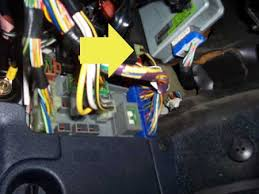 fuel kill switch here is a pic of the ignition wire on a 90 93 integra on all hondas acuras this is a black yellow 10 gauge wire i recommend finding it at the fuse box as