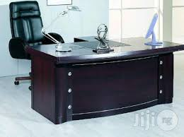 executive office table. ad details. this is a high quality executive office desk. table v
