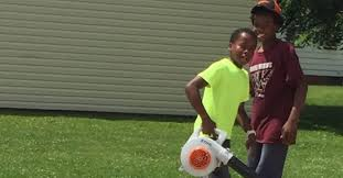 White neighbor calls police on black tiny boy for mowing their wrong lawn |  The BL