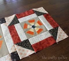 Candy corn flowers applique - The Crafty Quilter & Candy Corn Flowers Applique - a little tutorial from The Crafty Quilter Adamdwight.com