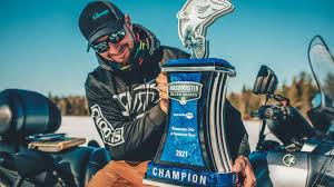 Learn more about landlord insurance, such as what a landlord insurance policy covers and what it doesn't. The Trophy Is Heavy Bassmaster