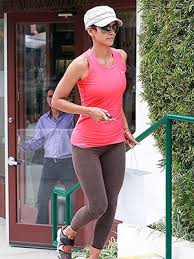 Jennifer garner shares amazing workout video. Celebrity Women Over 40 Working Out See Photos Of Halle Berry Jennifer Garner More Staying Fit Celebrities Female Celebrity Health Stay Fit