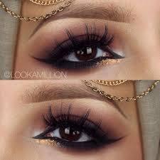 dark burgundy smokey eye
